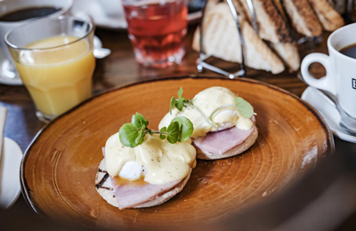 The Chamberlain Hotel Tower Hill London - eggs benedict breakfast